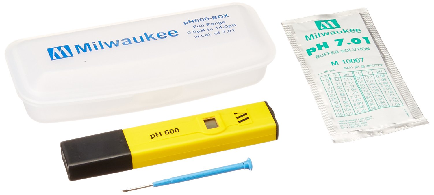 Milwaukee Instruments PH600BOX pH600 Economic Pocket Sized pH Temperature Meter with Protective Case and 7.01 Ca by Milwaukee