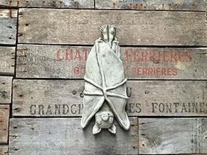 Para colgar bate jardín placa hecha de piedra reconstituida.