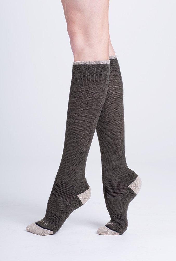 e365a89d1 Sigvaris 422 Merino Outdoor Performance Wool Knee High Socks - 20-30mmHg  Olive MM 422CMM31  Amazon.ca  Health   Personal Care