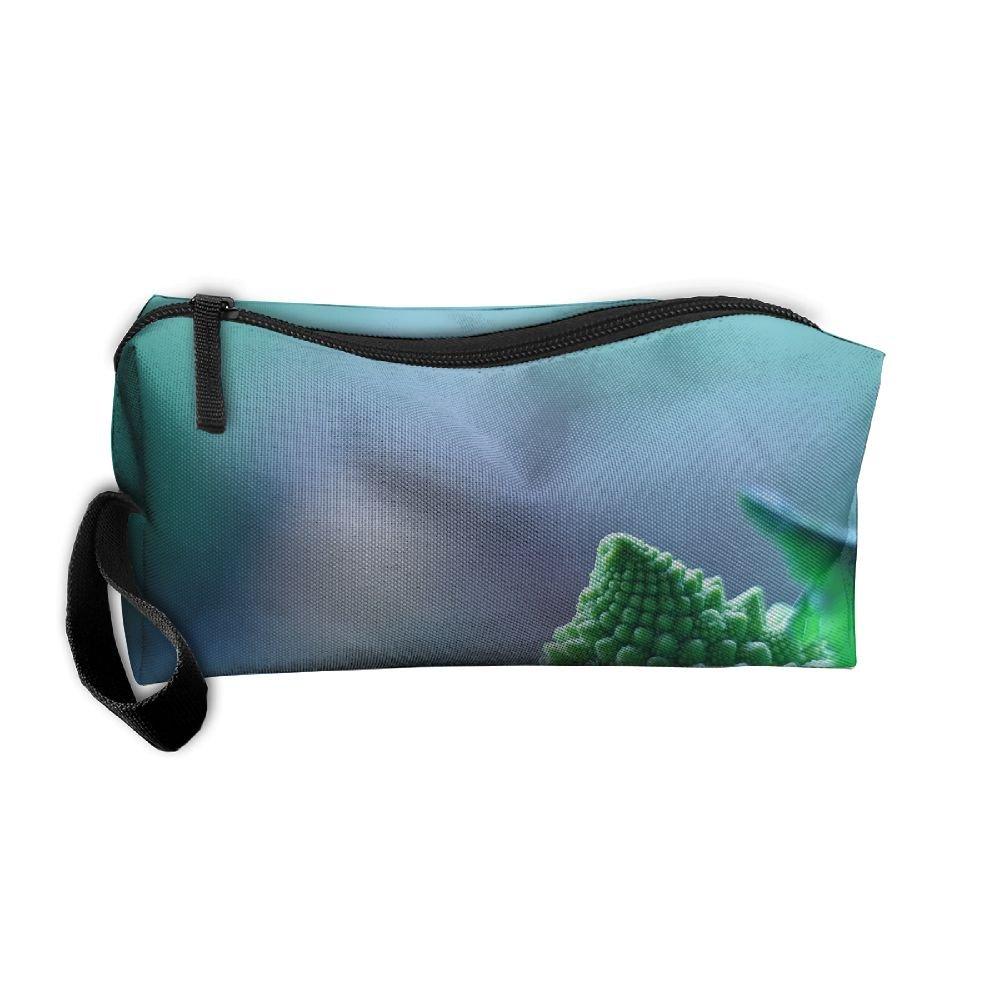 94e919276fad 60%OFF Beautiful Green Food Pattern Makeup Bag Calico Girl Women ...