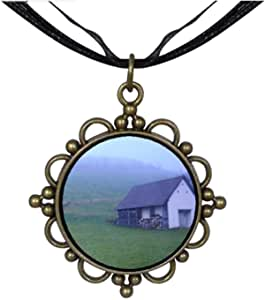 Chicforest Bronze Retro Style Travel small house Germany Round Flower Pendant
