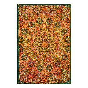 Future Handmade - Tapiz bohemio y psicodélico de pared con un diseño de mandala de estilo indio de la luna y del sol… | DeHippies.com