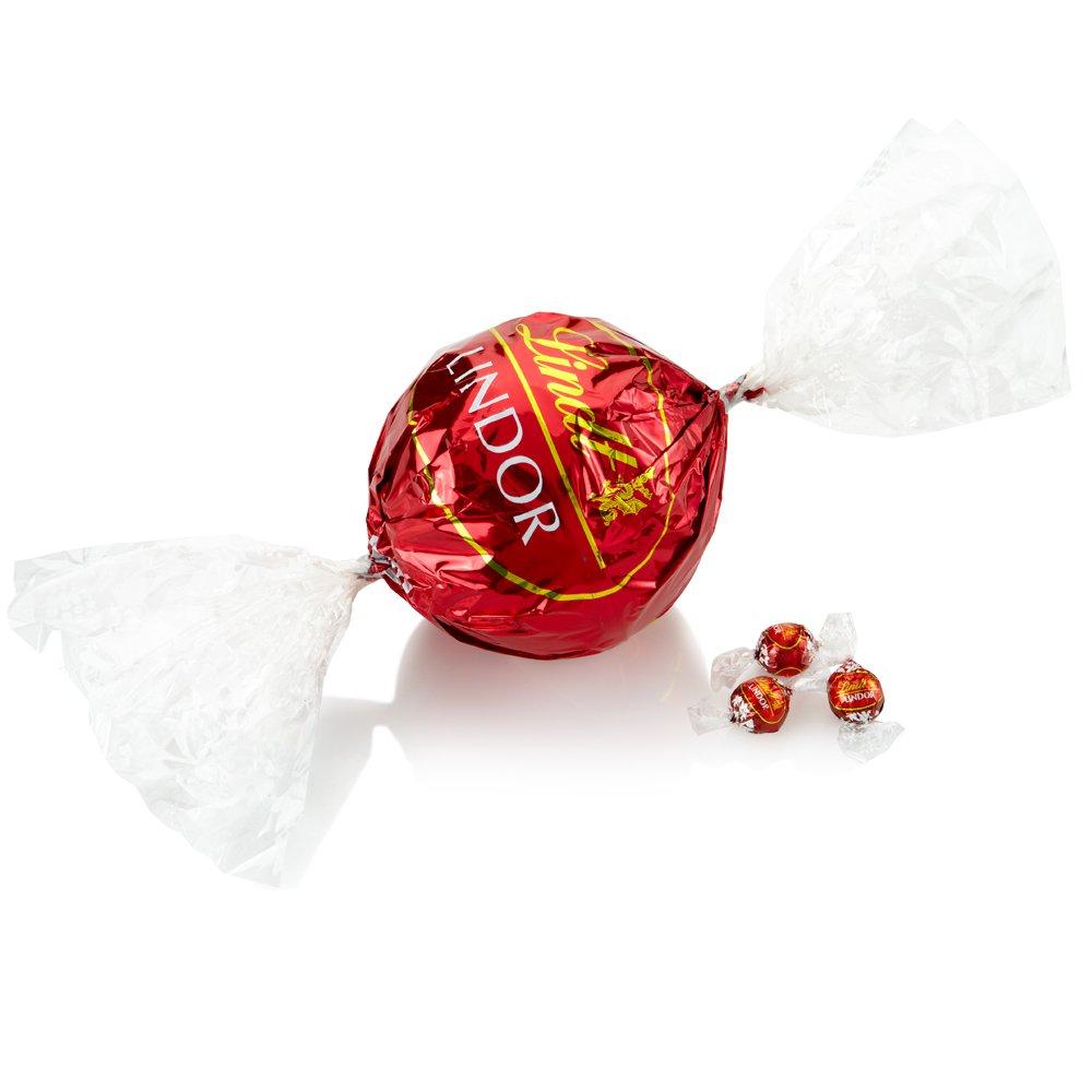 Amazon.com : Lindt LINDOR Milk Chocolate Giant Maxi Ball, 18.6 Ounce ...