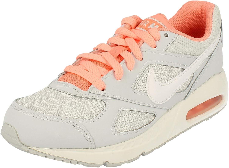 Nike Girls' Air Max Ivo (Gs) running