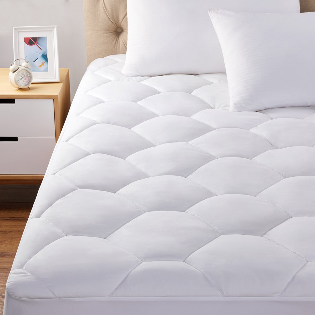 Oaskys Mattress Pads cover queen size Hypoallergenic Quilted Fitted with deep pocket cooling and breathable for hotel