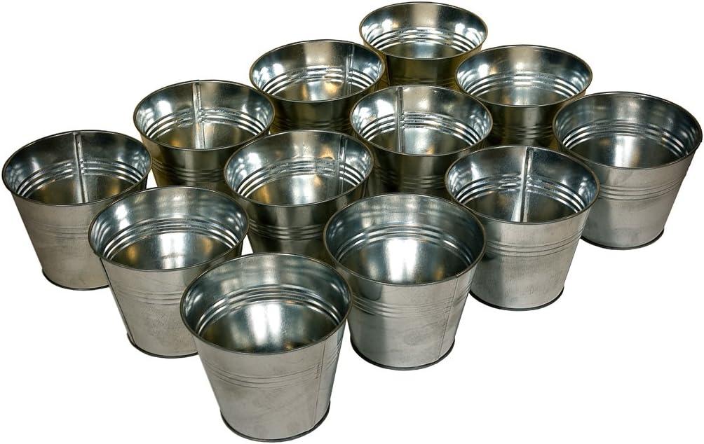 Juego de maceteros de zincEl regalo ideal para una estantería de macetas.