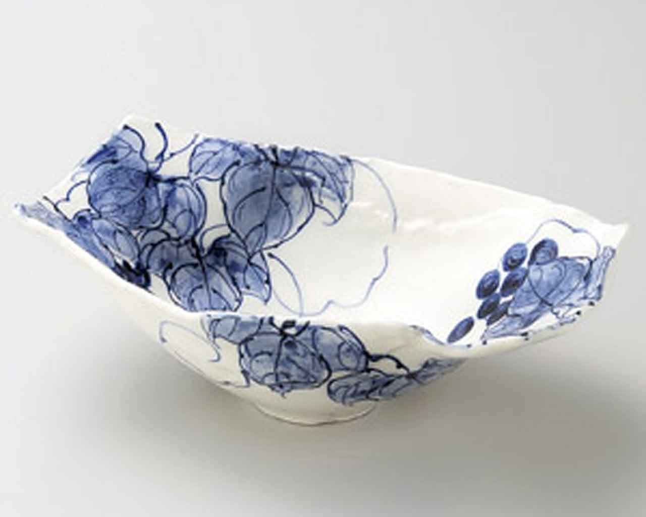 Seto Grape 9.6inch Set of 2 Large Bowls White porcelain Made in Japan