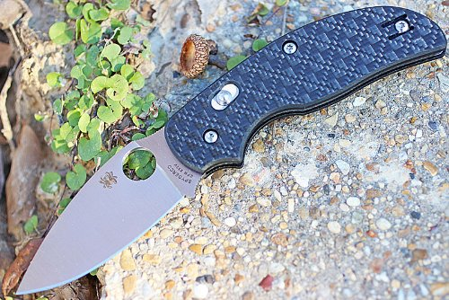 SPYDERCO Sage 3 CF/G-10 Laminate Bolt Action Lock Plain Edge Knife, Carbon Fiber, Left/Right