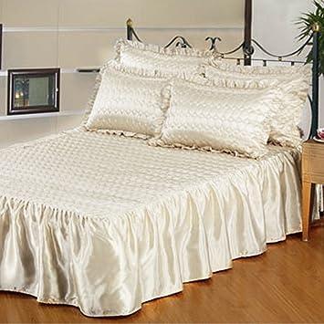Couvre lits Satin Décoratif Matelassé avec Collerette et 2 Couvre