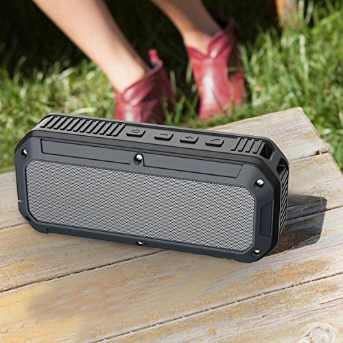AUKEY Altavoz Bluetooth 4.0 al Aire Libre, Altavoz Impermeable y Protección Adicional Contra Caídas y Golpes Inalámbrico Estéreo, Conductor ligero...