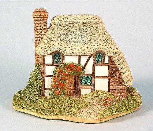 Lilliput Lane Strawberry Cottage (English South East) retired 1998 ()
