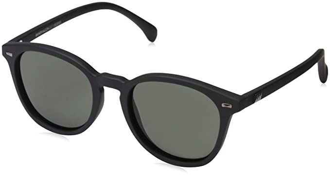 ad2970c51ce Amazon.com  Le Specs Women s Bandwagon Sunglasses