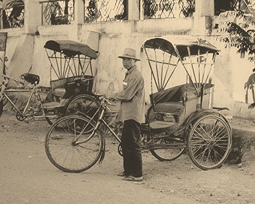 (Burmese Pedicabs)