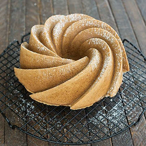 The 8 best bundt pans
