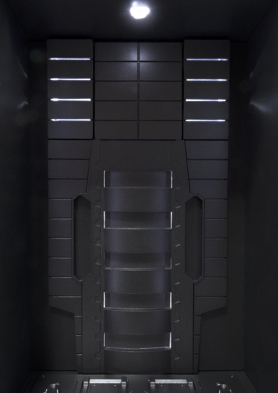 Bandai Tamashii Nations ''Iron Man 2'' S.H. Figuarts MK. VI & Hall of Armor Set by Tamashii Nations (Image #7)