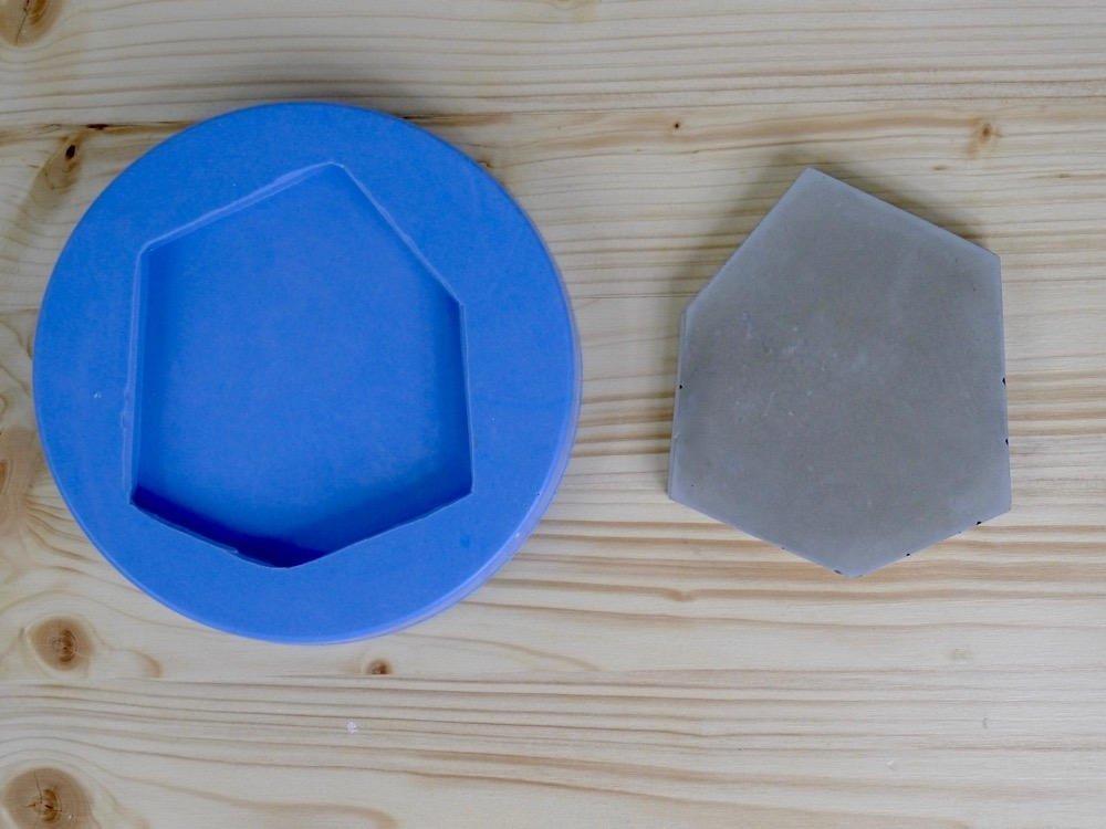 Concrete coaster silicone mold