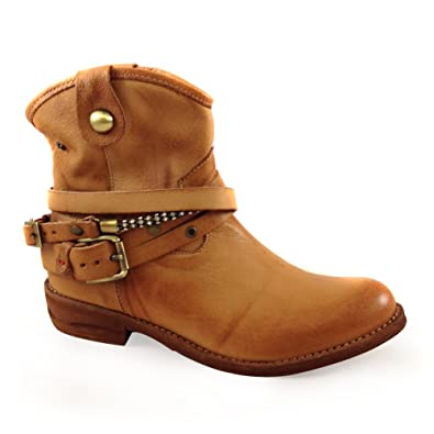 40fc2506dcea Bourbon Amy Huberman Scent Of A Woman Brown Low Heel Ankle Boot   Amazon.co.uk  Shoes   Bags