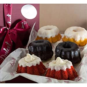 Dulcet Gift Baskets Fresh Baked Mini Coffee Cake Gift Basket Assortment Featuring Red Velvet, Lemon & Chocolate Flavors Great Gift for Holidays, Sympathy, Get Well & Celebrations with Friends, Family, Men & Women