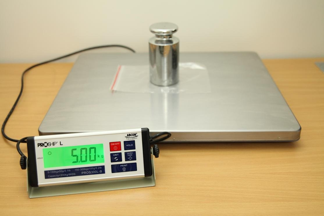 Báscula digital grande de 56 x 46 cm, 300 kg con incrementos de 50 gramos, peso industrial, con características únicas, peso dinámico, salida USB, ...