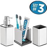 mDesign Juego de 3 accesorios para el baño – Porta cepillos de dientes, dosificador de jabón en espuma y vaso – Fabricados en aluminio inoxidable – plateado/gris humo