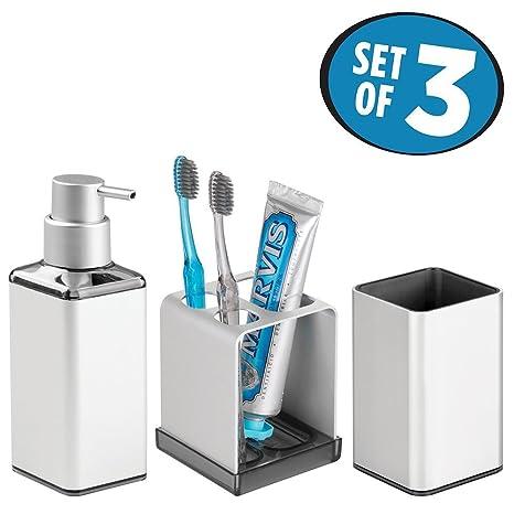 mDesign Juego de 3 accesorios para el baño – Porta cepillos de dientes, dosificador de