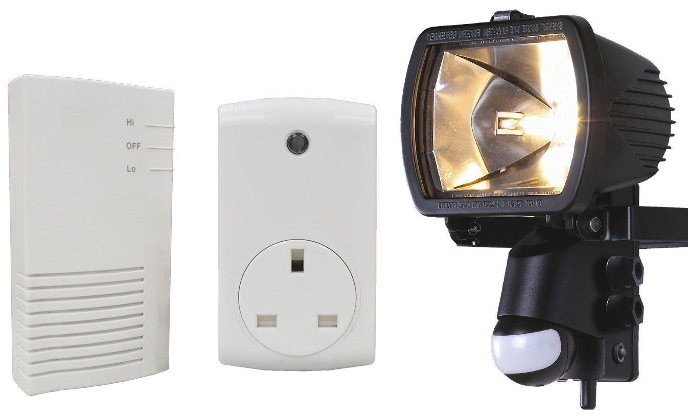Wireless home automation floodlight audio alarm plug kit trskit15 wireless home automation floodlight audio alarm plug kit trskit15 amazon diy tools aloadofball Choice Image
