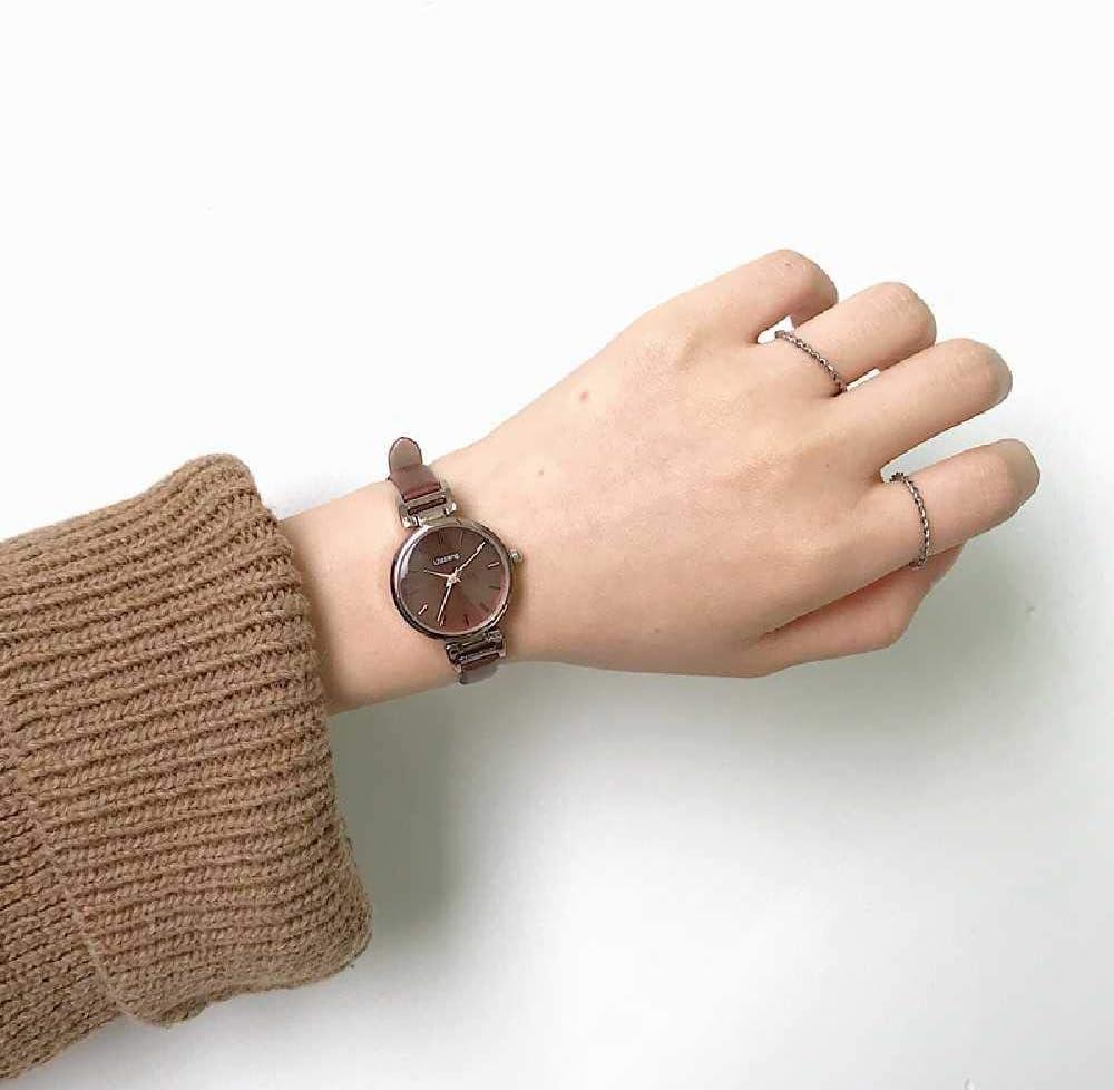 LYAO Montre Bracelet Mode pour Femme, Cuir Vintage Marron Vintage, Mouvement Quartz Tout Marron Noir Blanc