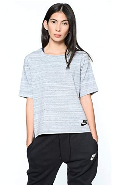 save off c5102 680d2 Amazon.com  Nike Women s Sportswear Advance 15 Short Sleeve Top Black  838954-010  Sports   Outdoors