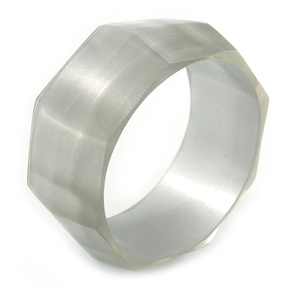 up to 19cm L Avalaya Off White Multifaceted Acrylic Bangle Bracelet Medium