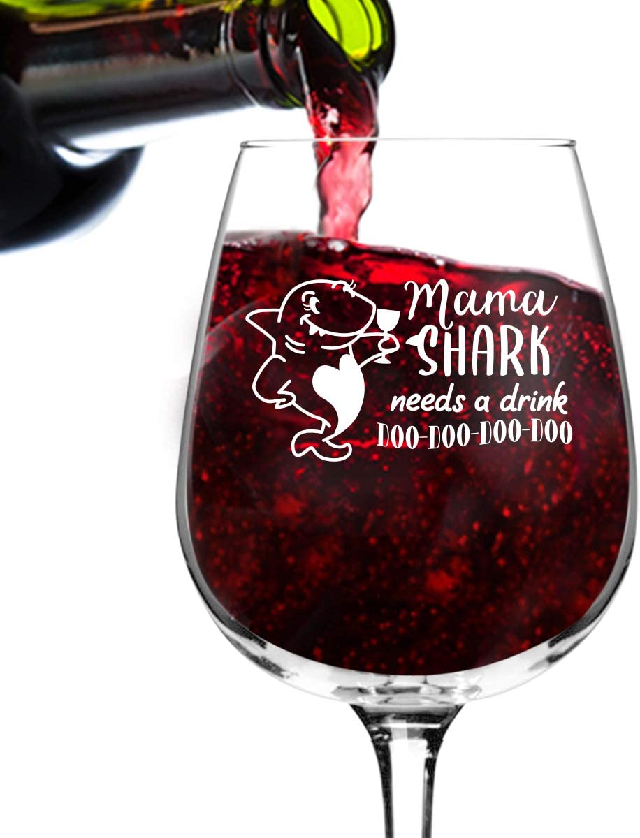 Mama Shark Needs A Drink Do Do Do Funny Wine Glass (12.75 oz) | Birthday Present for Mom| Best Mom Ever Glass for Mom, Step Mom, New Mom or Grandma | Mommy Gifts From Daughter, Son | Gift for Women
