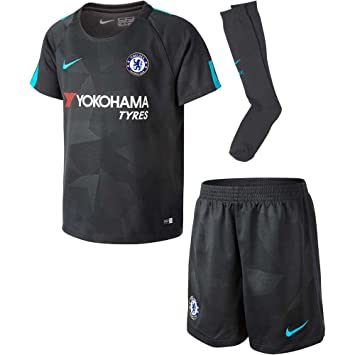 finest selection 6f3bb 587a4 2017-2018 Chelsea Third Nike Little Boys Mini Kit: Amazon.co ...