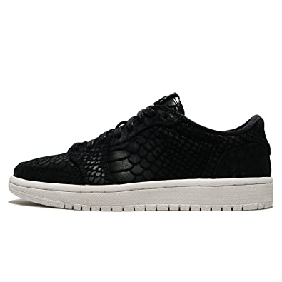 pretty nice 4f874 56b57 Jordan Air WMNS 1 Retro Low No Swoosh Lifestyle Shoes Women ...