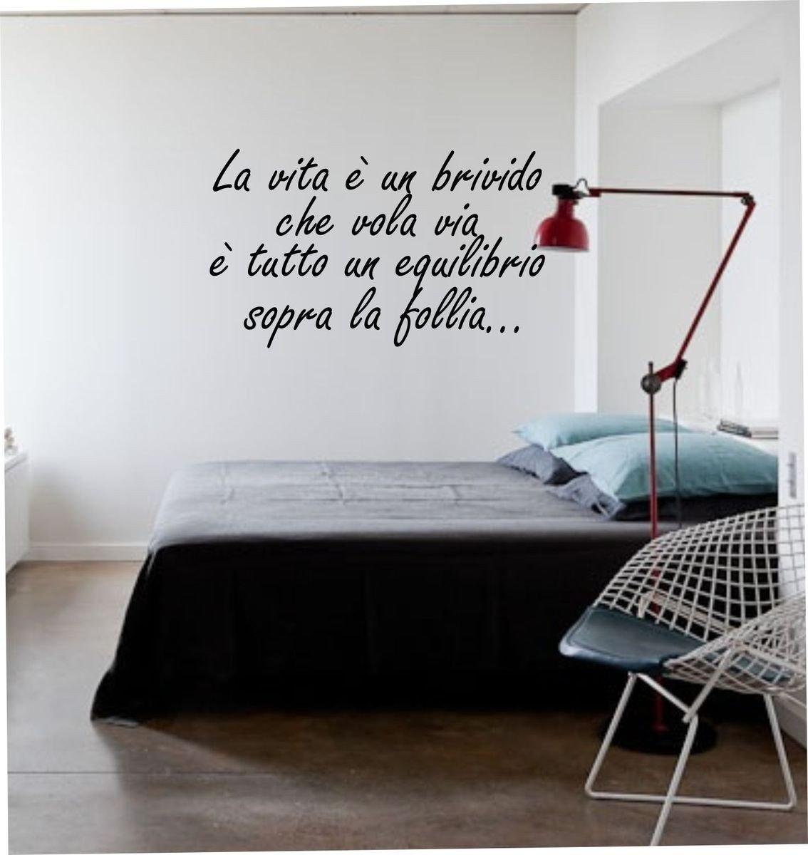 Wall Stickers Adesivo murale Frase La Vita è Un brivido Che vola Via (28cm x 25cm) - Adesivi murali Decorazioni Interni by tshirteria t-shirteria
