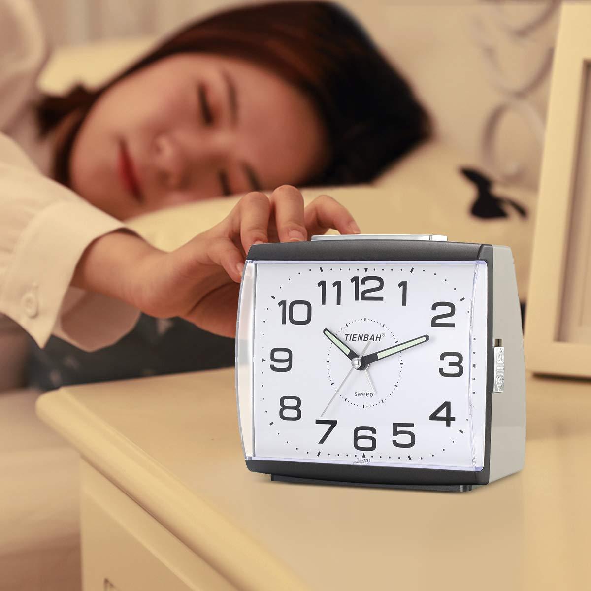 Blu Ayybboo Sveglia Analogica Sveglia da Comodino Sveglia al Quarzo Sveglia Silenziosa con Luce Senza Ticchettio Semplice Orologio Sveglia da Tavolo Snooze Sveglie per Bambini