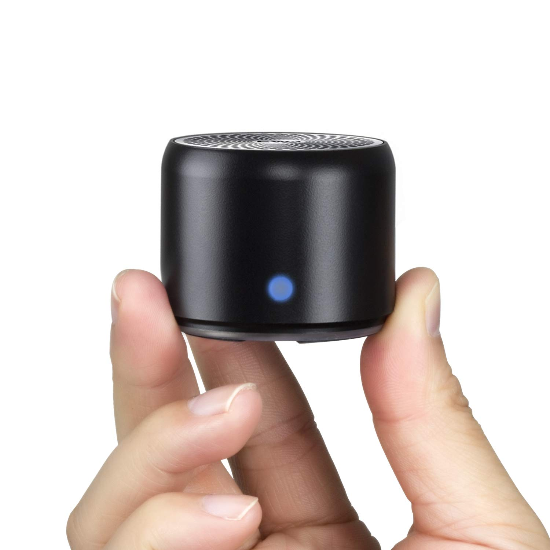 【旅行用EVAケース付き】EWA A106 ポータブル ミニ ワイヤレス Bluetooth スピーカー 【超小型/コンパクト/高音質/強化された低音/車載、風呂用 / メーカー1年保証付き / 多言語取扱説明書】(ブラック)