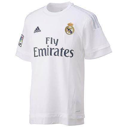 1ª Equipación Real Madrid CF 2015 2016 - Camiseta oficial adidas   Amazon.es  Deportes y aire libre 28ae033e2bb96