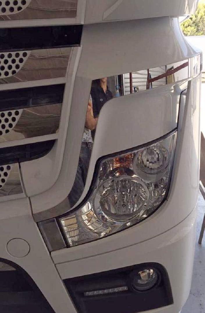 24 7auto 2x Frontscheinwerfer Rahmen Umrandet Actros Mp4 Lkw Hochglanzpoliert Edelstahl Dekoration Auto