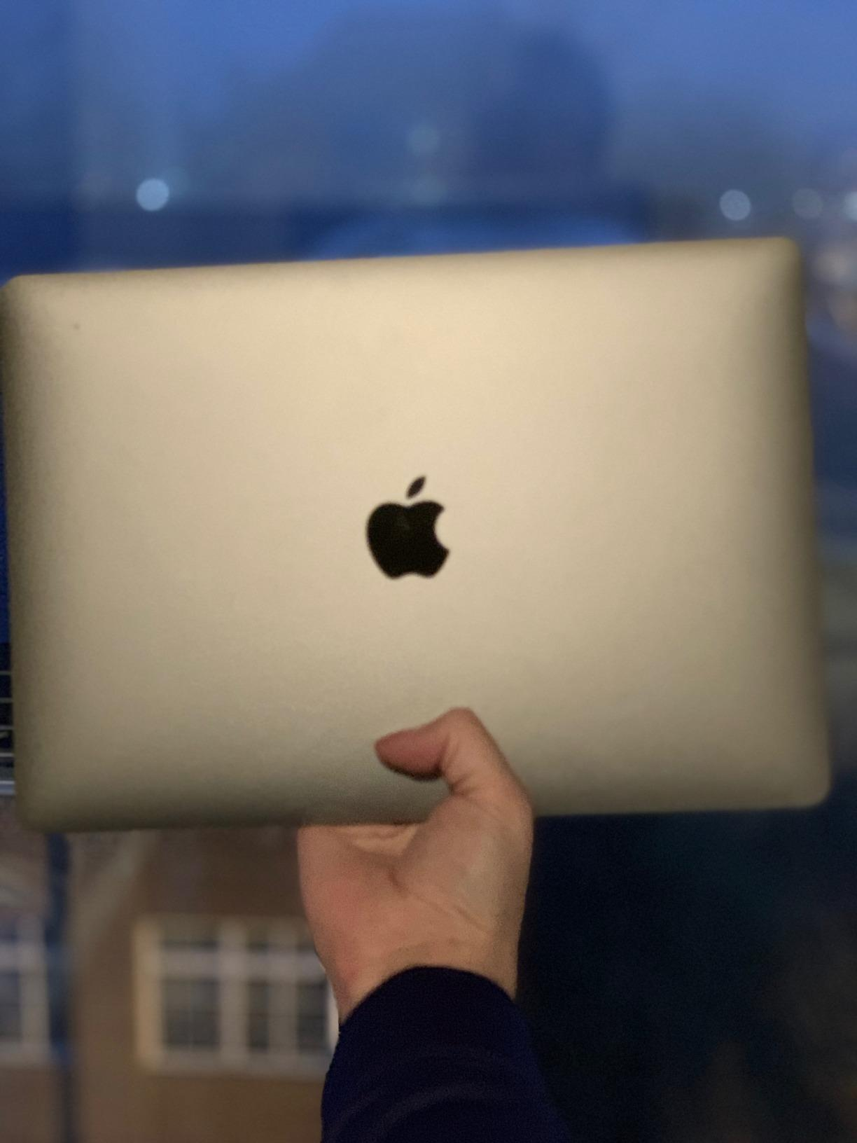 Apple MacBook Air (13-inch Retina display, 1 6GHz dual-core Intel Core i5,  128GB) - Gold (Latest Model)
