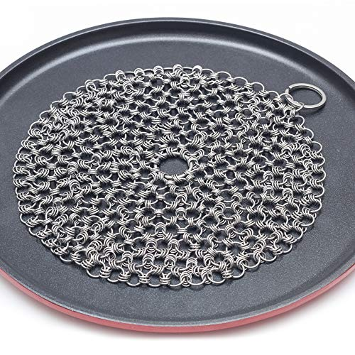 Kitchensera Cast Iron Cleaner 7x7 Inch Triple-Chained Design - Superior Quality 316 Grade Stainless Steel Chainmail Scrubber - Dishwasher Safe - Easy Cleaning for Pans, Dutch Ovens, Grills & Griddle