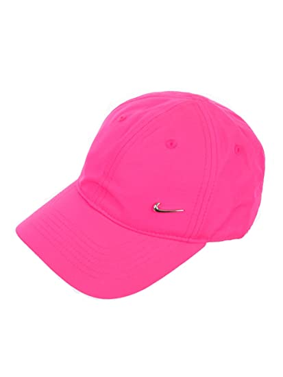 a6cbf862 86068 a0092; denmark nike boys or girls heritage 86 metal swoosh cap at amazon  mens clothing store 4ff5d