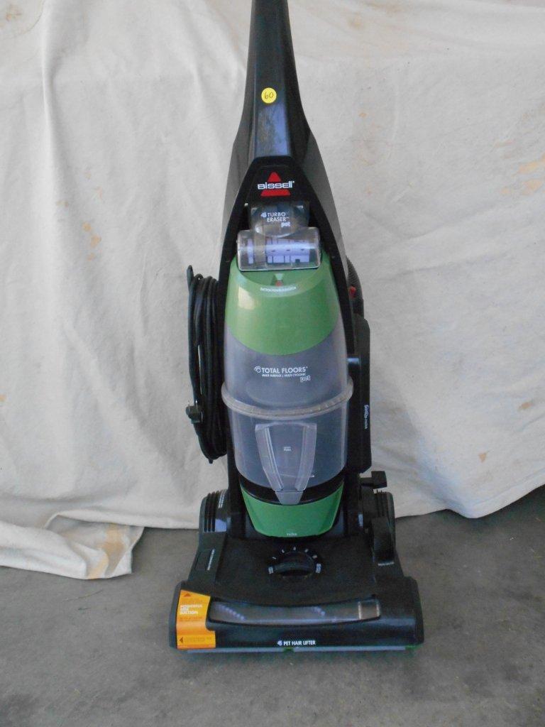 Amazon.com   Bissell Total Floors Pet Bagless Upright Vacuum,  Black/Green/Purple, 61C5W   Household Upright Vacuums