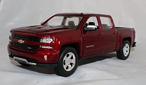 Amazon Com 2017 1 27 Scale Chevy Silverad 1500 Lt Z71 Crew Cab