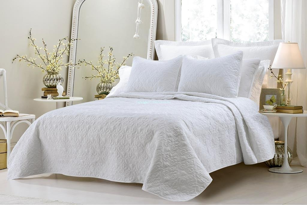 Bed in a Bag 3414 Oversized 3 Piece Quilted Coverlet Set44; White