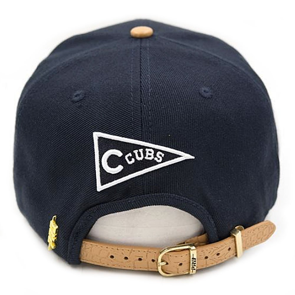 205a8971 Pro Standard Men's MLB Chicago Cubs Old English Buckle Hat W/Pins Navy Blue  at Amazon Men's Clothing store: