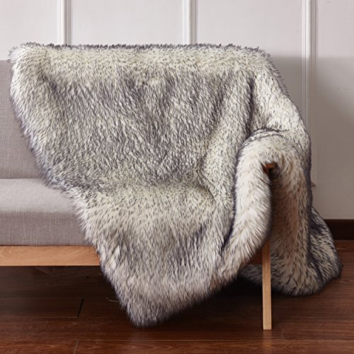 CHIC RUGZ 5X7 FOX WHITE/GRY Suede Backing Faux Fur Living Room Area Rug, 5' x 7' , White/Grey