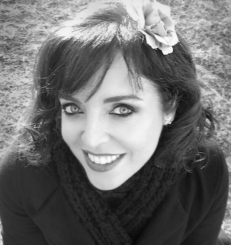 Amazon.com: Radio Girls (9780451475565): Sarah-Jane Stratford: Books