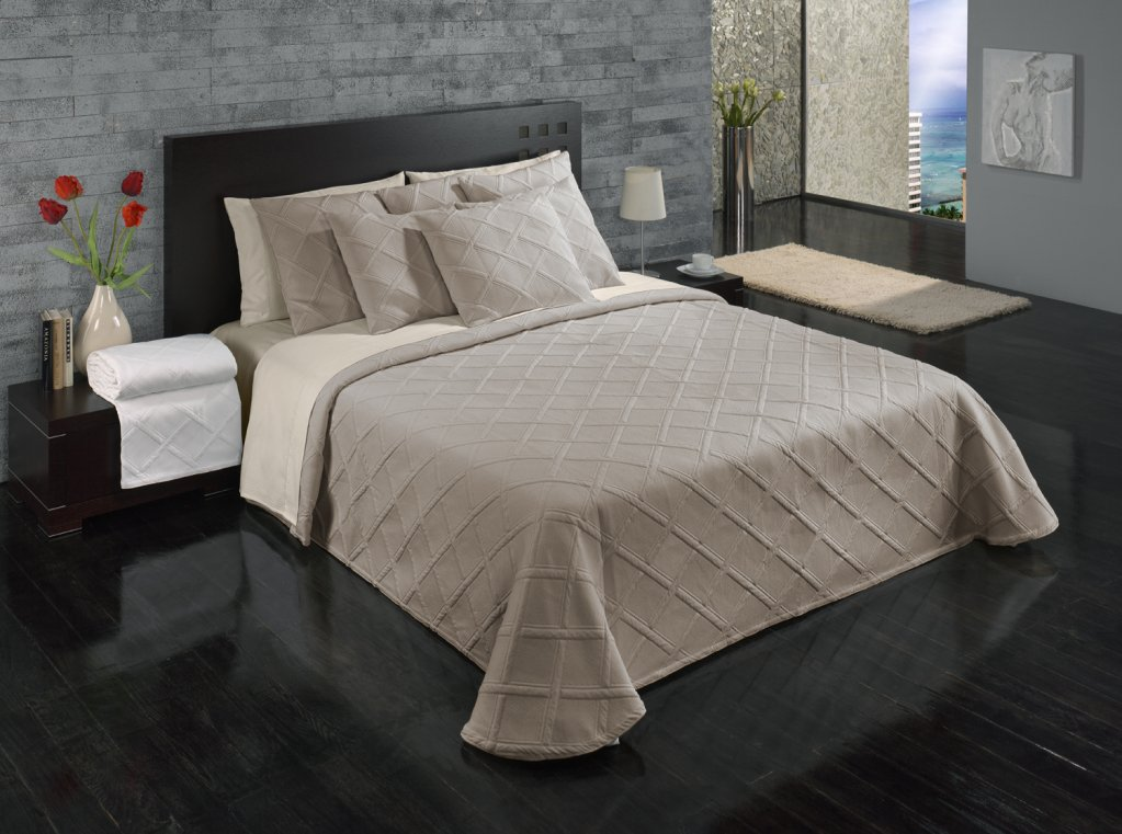 Europa Fine Linens Evora Matelasse Bedding, Bedspread King Size 120-Inch by 120-Inch, Taupe by Europa Fine Linens