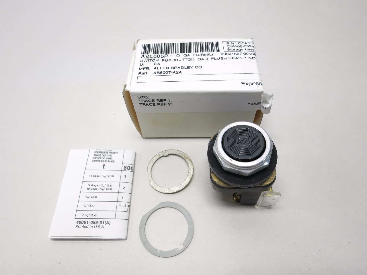 NEW ALLEN BRADLEY 800T-A2A FLUSH HEAD BLACK PUSH BUTTON SER T D533077