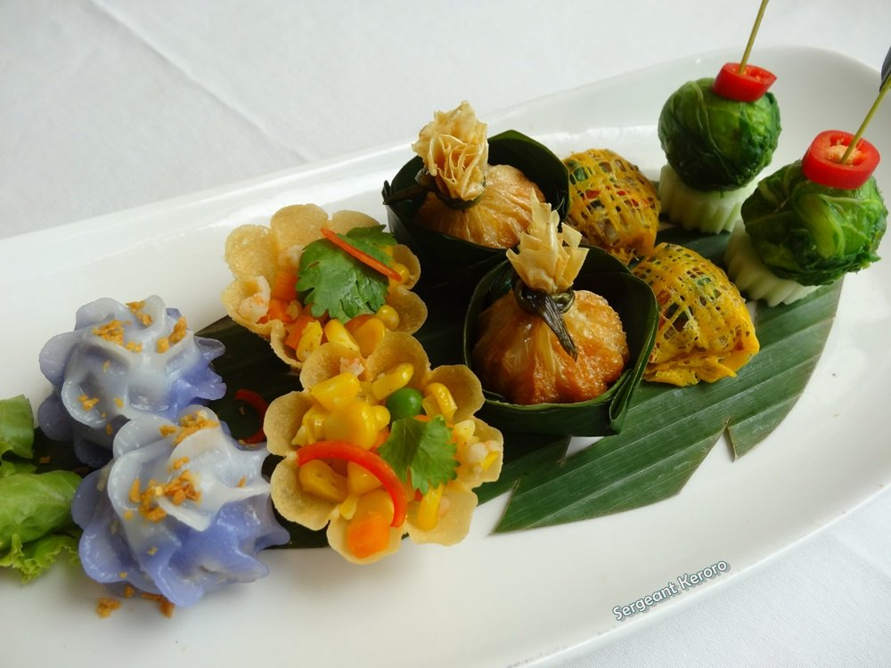 Duplex Kratong Thong Non-spicy Thai Appetizer; Favorite Brass Cups