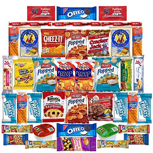 Snack Variety Pack   Cookies, Candy, Nuts, Crackers and Chip Snack Pack   Perfect Lunch Snacks or Office Snacks ()